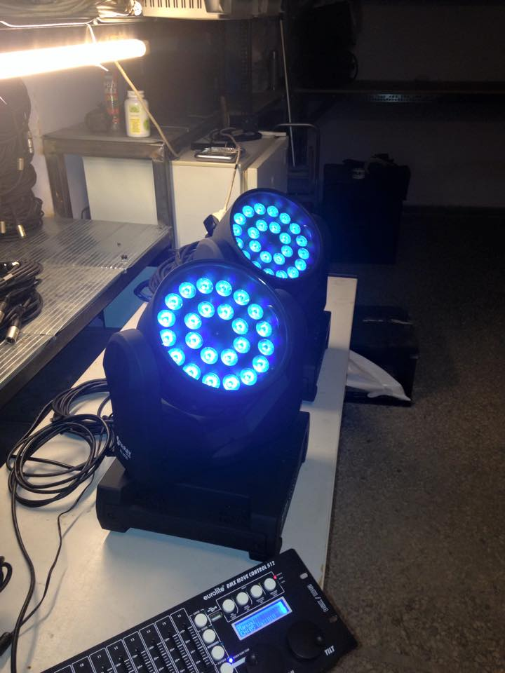 Led wash moving Head 24 led x 10 watt RGBW